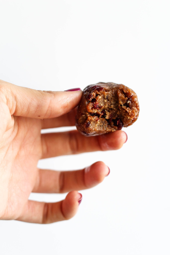 4-Ingredient Chocolate Cranberry Energy Balls