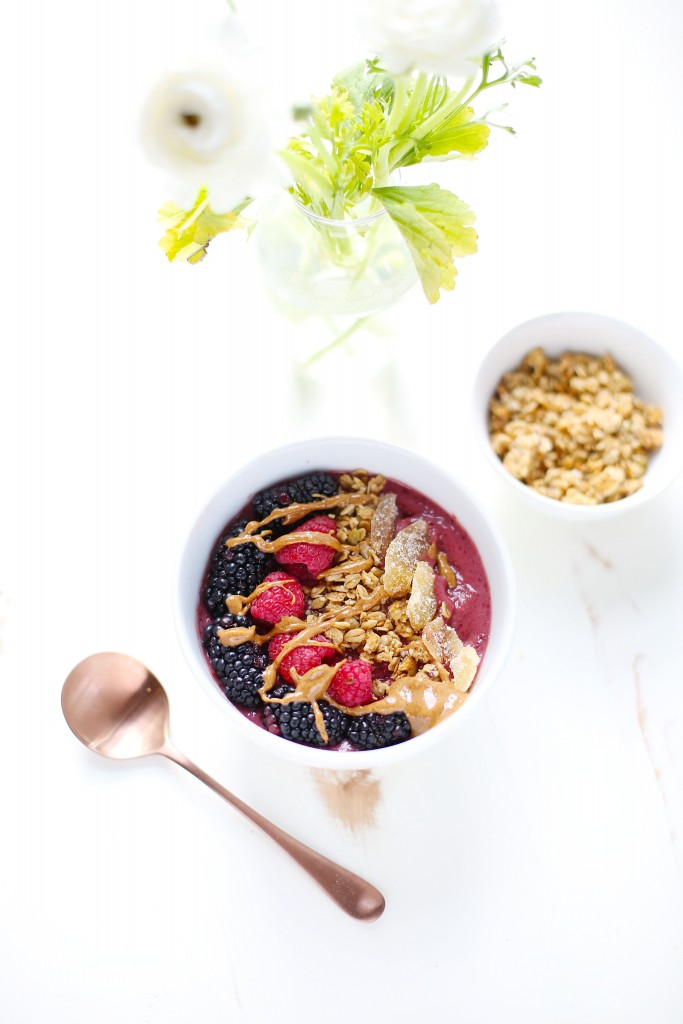 Cherry Ginger Vanilla Smoothie Bowl