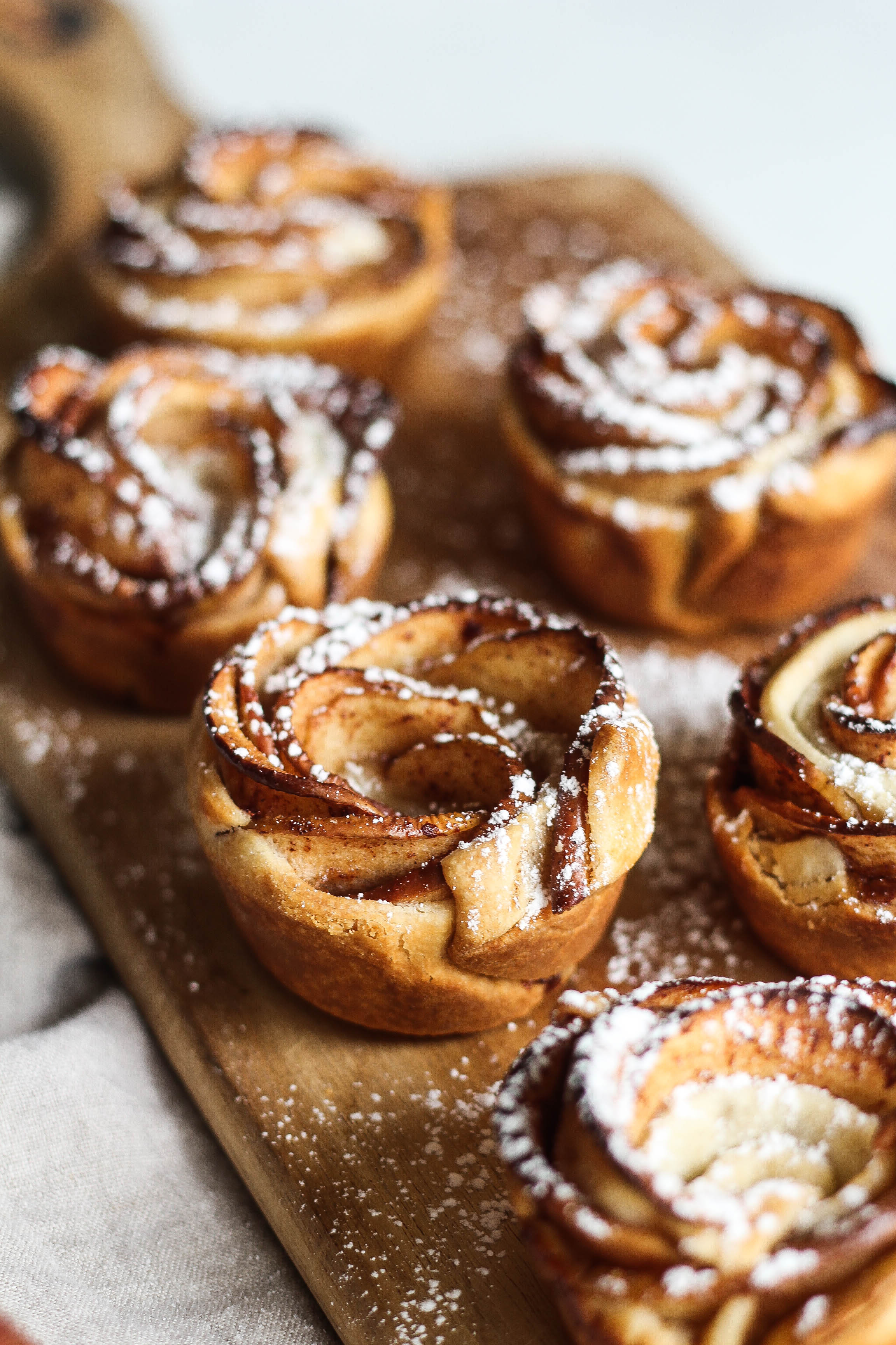 5-Ingredient Apple Pie Roses